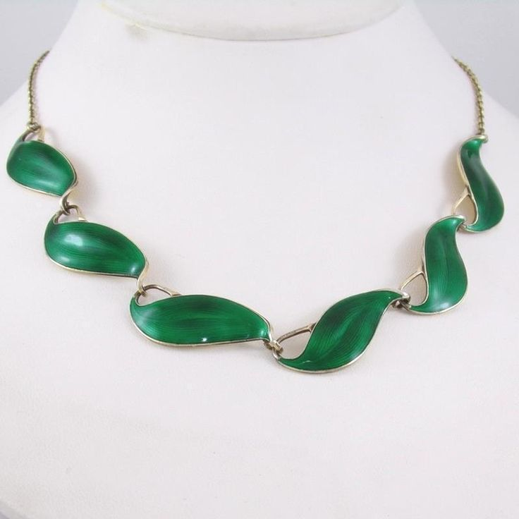 Vintage Finn Jensen Sterling Silver Modernist Green Enamel Leaf Necklace 16""