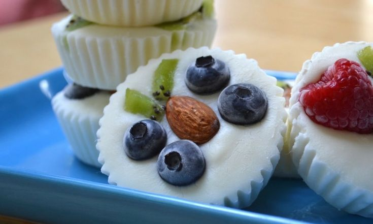 Healthy Fruity Frozen Yogurt Snacks – An easy and refreshing dessert that's good for you. A fun way to enjoy FroYo! With Video tutorials.