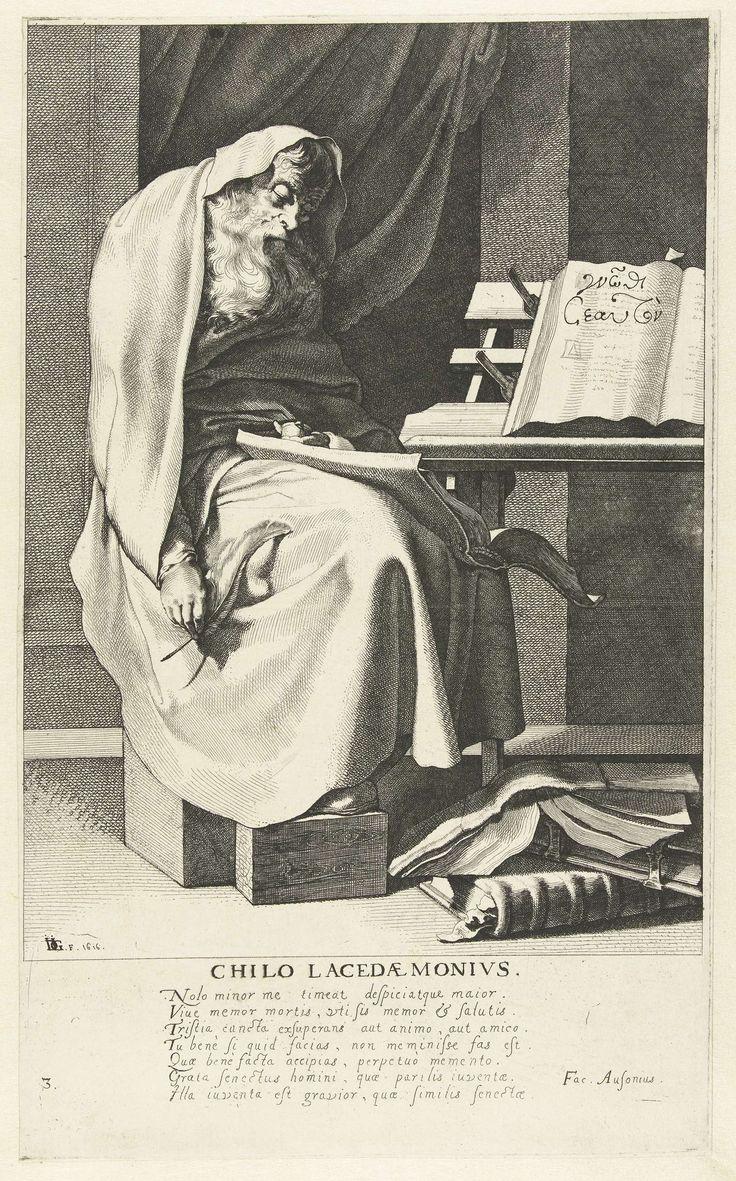 Jacob de Gheyn (III) | Chilon van Sparta, Jacob de Gheyn (III), Decimus Magnus Ausonius, Nicolaes de Clerck, 1616 | Een oude man, ten voeten uit, gezeten aan een schrijftafel, gekleed in een lange mantel, een groot boek op schoot, een ganzenveer in de rechterhand, een stapel boeken voor de voeten. Onder de voorstelling een zevenregelig Latijns gedicht. Deze prent is onderdeel van een serie van acht prenten: een titelprent en zeven genummerde portretten van Griekse wijzen.