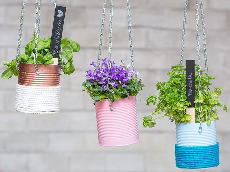 die besten 17 ideen zu blumenampeln auf pinterest pflanzenschaukeln h ngende sukkulenten und. Black Bedroom Furniture Sets. Home Design Ideas