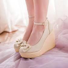 Resultado de imagen de zapato con un poco de tacon de niñas