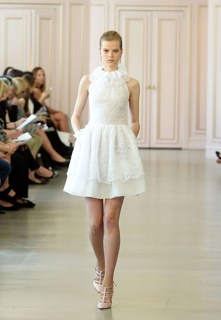#VogueNovias El debut de #PeterCopping en clave #bridal para Oscar de la Renta... http://buff.ly/1GkqUtC