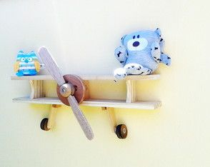 Prateleira decorativa para quarto infantil. ou decoração de espaço de brinquedotecas,Escolas infantis, consultorios pediatricos e onde mais sua imaginação quiser.  Toda em madeira, feita artesanalmente...vai ficar lindo no quarto do seu bebe !!!