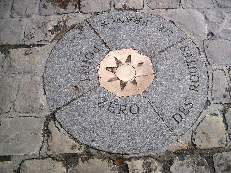 The point from which all distances are measured in France. Cool. Situé sur le parvis de la cathédrale Notre Dame  le point zéro des routes de France sert de référence pour le calcul des distances avec les autres villes. http://www.rendezvousenfrance.com/ #paris #france