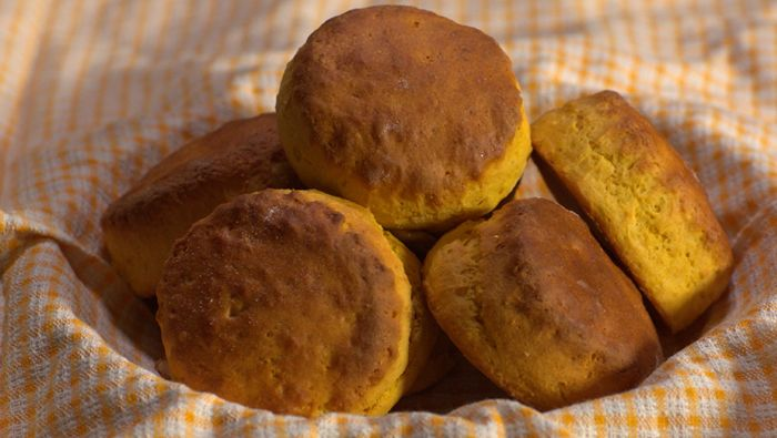 Learn how to make this delicious yet healthy easy-to-follow pumpkin scones recipe from celebrity chef Paul West.