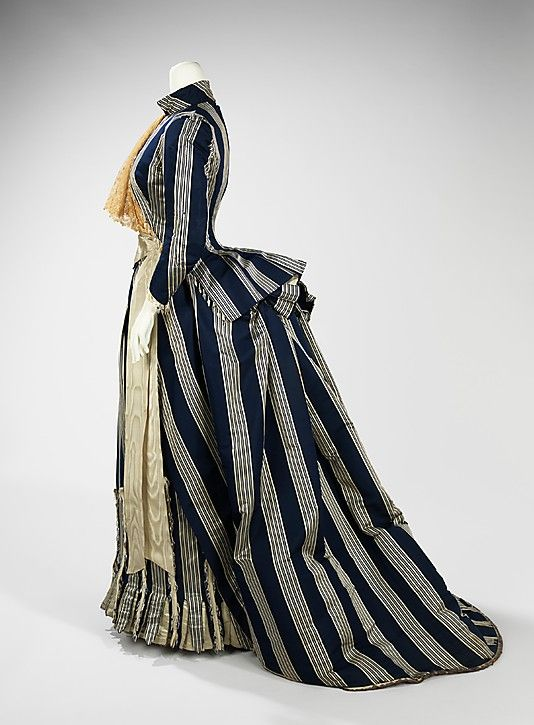 Dress, Walking  House of Worth  (French, 1858–1956)    Designer:      Charles Frederick Worth (French (born England), Bourne 1825–1895 Paris)  Date:      ca. 1885
