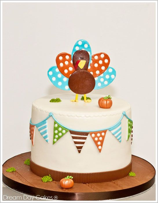 Cute Thanksgiving cake. I love when the board is decorated as well. It really rounds it all out.