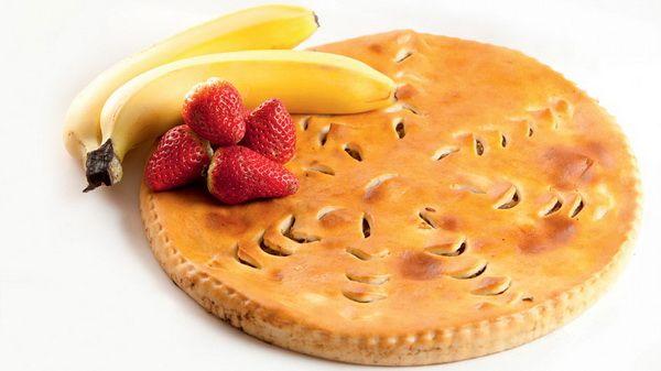 Осетинский пирог с клубникой и бананом – ароматная клубничка и нежный банан в качестве начинки этого пирога, придает изделию незабываемый вкус. Необыкновенно вкусная и сладкая выпечка, невозможно удержатся.  Состав: клубника, банан.  Вес: 1000 г  #осетинскиепироги #пирогсклубникойибананом #осетинскийпирогсклубникойибананом #пирогор
