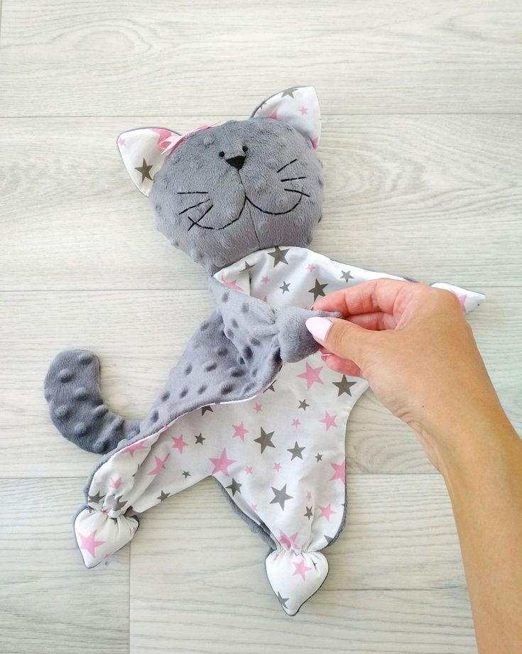 Игрушка комфортер кот, сплюшка – купить или заказать в интернет-магазине на Ярмарке Мастеров | Игрушка-комфортер для новорожденных. …