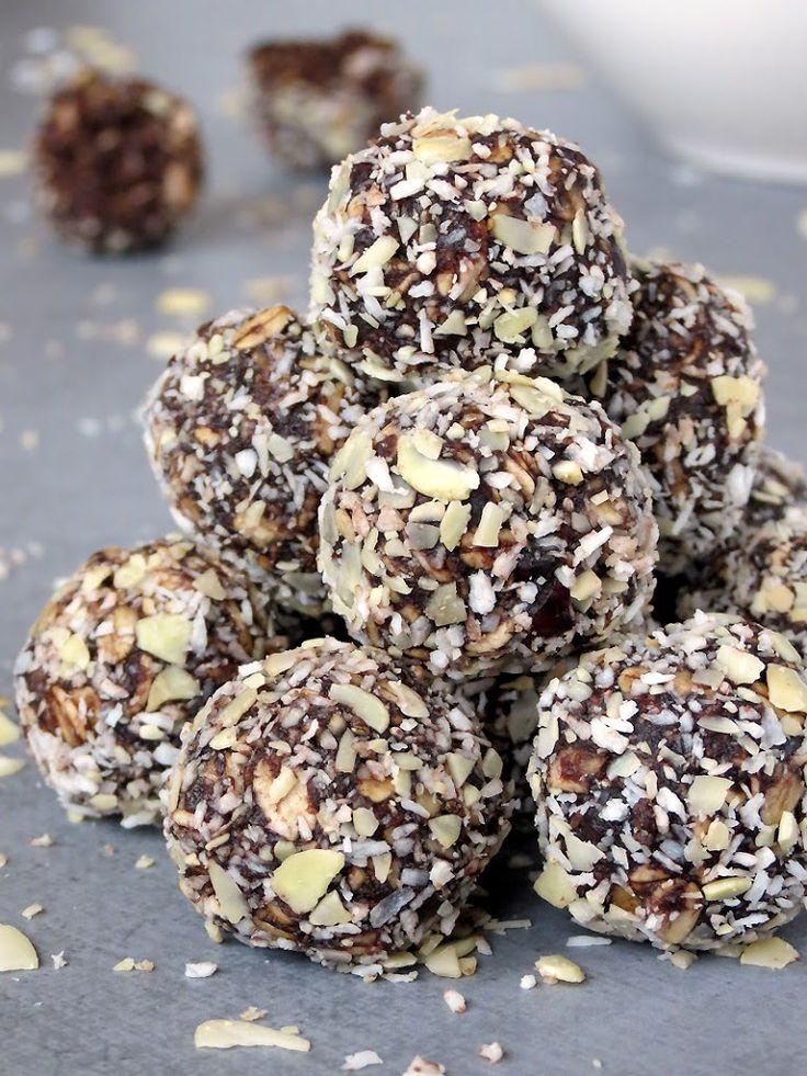 Healthy No-Bake Chocolate Energy Bites Recipe on Yummly. @yummly #recipe