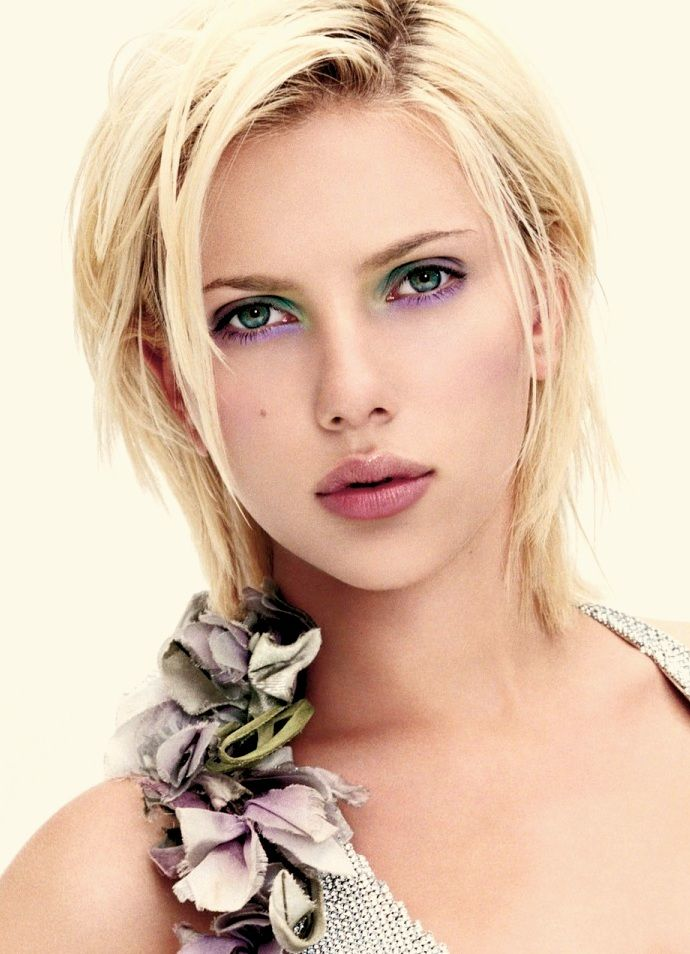 Scarlett Johansson November 22 Sending Very Happy Birthday Wishes!  Continued success!  & Love!
