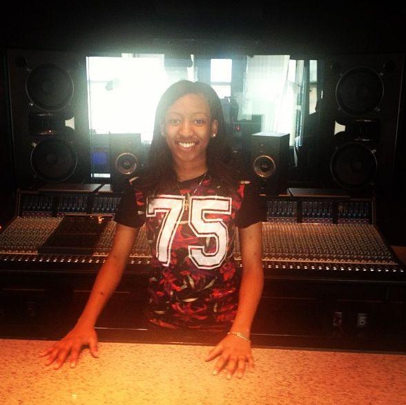 """WondaGurl Making Travis Scott's """"Uptown"""" in FL Studio"""