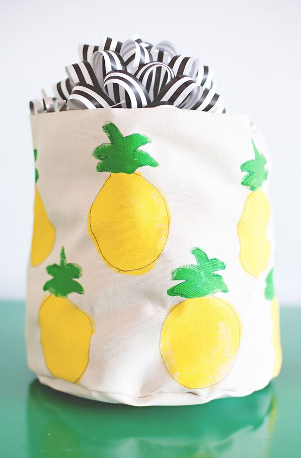 Pineapple painted canvas bags
