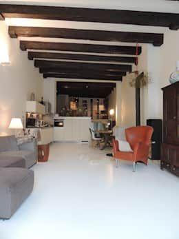 Piso de acabado aterciopelado para el área social de la casa https://www.homify.com.mx/libros_de_ideas/3984190/pisos-de-concreto-pulido-18-ideas-que-te-van-a-encantar