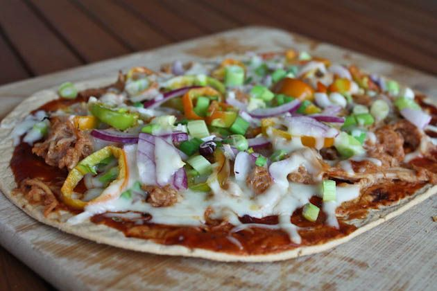 BBQ Flat Bread - Made this with pulled chicken and it was amazing!!