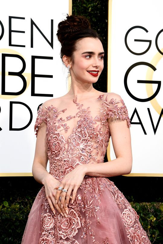 Fairytale Princess: Lily Collins in a feminine, dusty pink-rose Zuhair Murad Couture ballgown at the 2017 Golden Globes