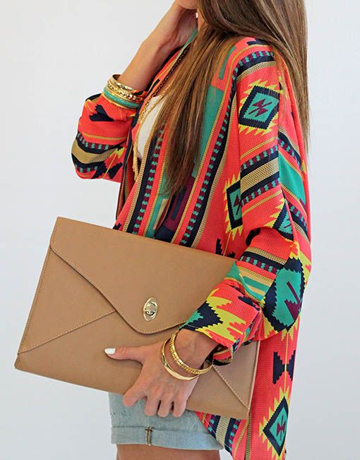 I WANT THIS HUGE CLUTCH