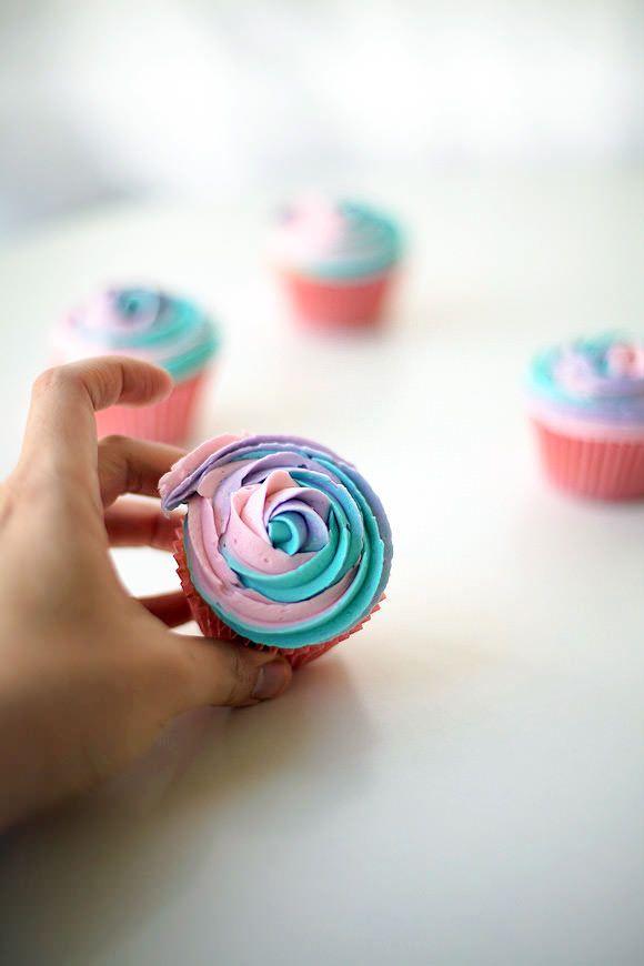 How to: Pastel Cupcake Rainbow Rosette Piping Tutorial on Handmade Charlotte