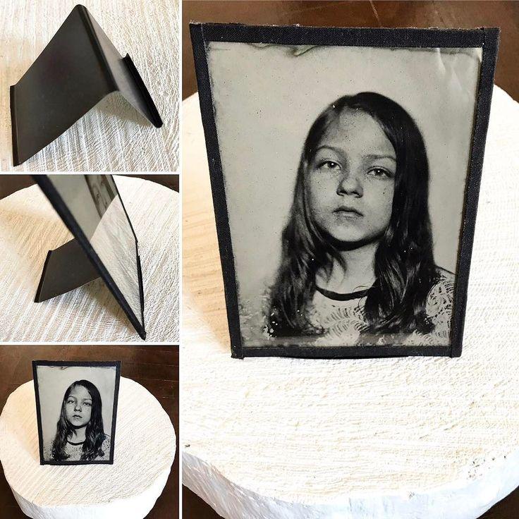 """My custom made tin plate holder for #ambrotype or #tintype 5x7"""" Stojánek na ambrotypii nebo ferrottpii ručně vyrobený stejně jako fotografie stříbrem na kov.  #kodak #portrait #trebic #speedlight #handmadephotography"""