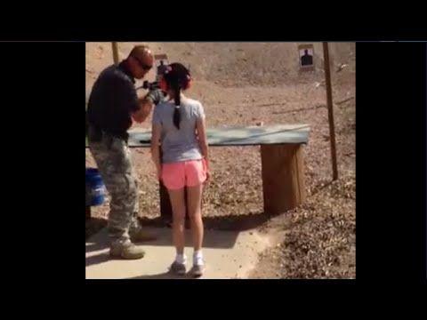 実際の映像閲覧注意【インストラクター9歳の少女に頭を撃ちぬかれ死亡】サブマシンガンで射撃体験中の悲劇 アメリカの映像