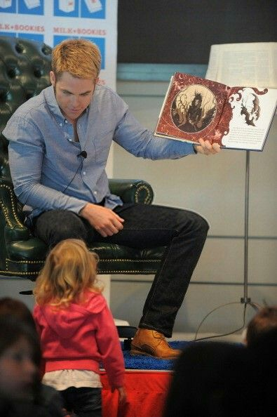 """Chris pine who plays jack frost in """"Rise of the guardians"""" reads the """"Man in the moon"""" book to kids.....awwwww so sweet ."""