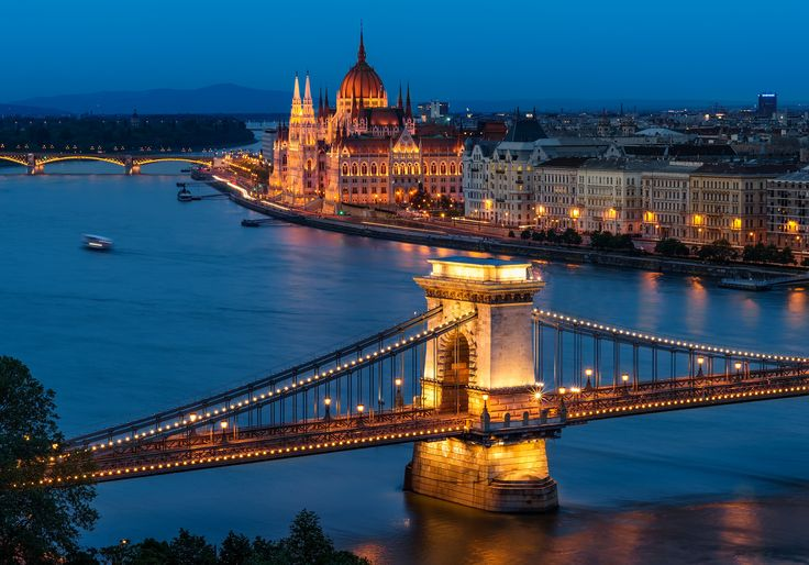 The sunset failed me like 3 out of 3 times during my stay in Budapest, but luckily the blue hour never fails :) The beautiful Chain Bridge with the Hungarian Parliament in the background during blue hour.  Nikon D800, Nikkor 85 mm f/1,8, f/16, ISO 50, 85 mm, 8 sec.