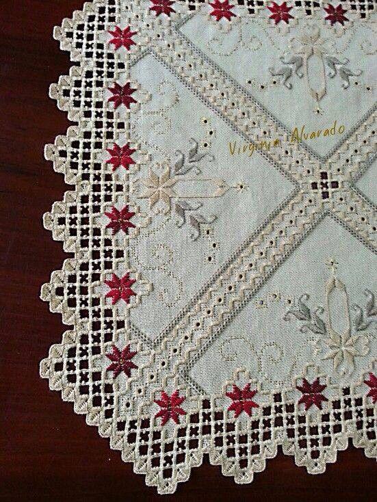 Hardanger, Idee für Vorhang, gefunden auf fb, Entwurf und Fotograf mir nicht bekannt.