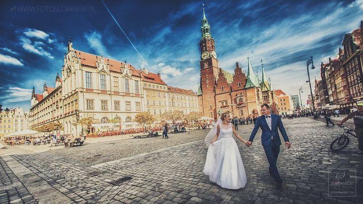 Fotografia ślubna - Rynek Wrocław. by Fotograf Slominski