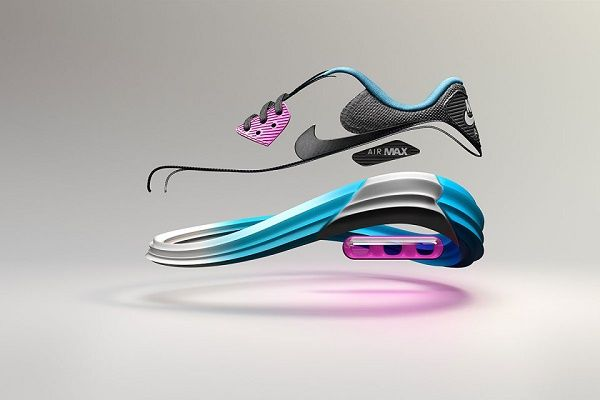 Кроссовки Nike Air Max Lunar 90 / Буквально на днях, компания Nike представила небольшое видео и фотографии новых-старых кроссовок Air Max 90. На этот раз легендарный силуэт подвергся махинациям не с верхней частью кроссовка, а с нижней — подошвой. Так,...