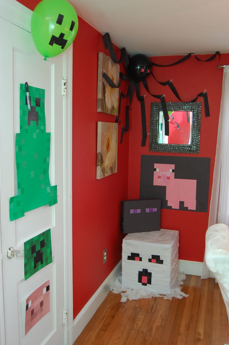 Minecraft birthday party decorations Creeper, ghast piñata, Pin the Tail on the Pig, balloon spider
