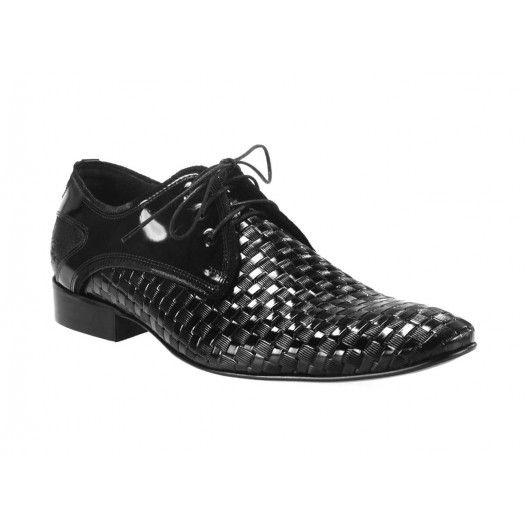 Oblíbená pánská obuv černé barvy vyrobená z nejkvalitnějších materiálů - manozo.cz