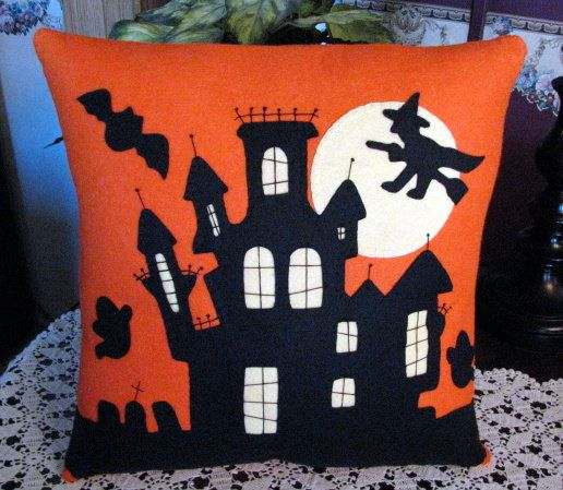 "Hand Stitched 18"" x 18"" Halloween HAUNTED HOUSE Decorative Wool-Felt Pillow....OFG Team"