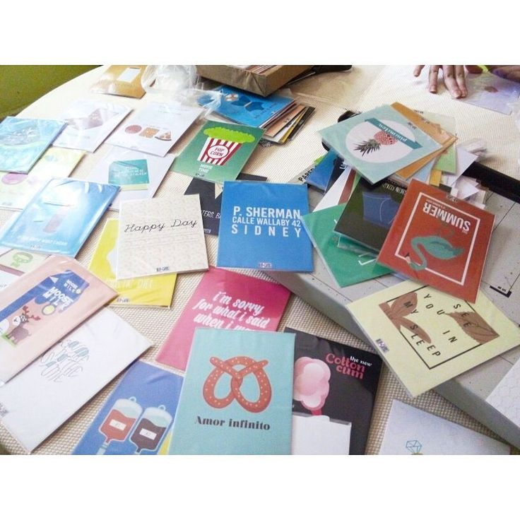 Preparando cosas muy muy buenas para ustedes ⚡ #ourcards #vzla #venezuelatalent #delrayo #sorprises #cards #postales #papeleria #fun #life #joke #graphicdesign #all #summer #newstuff #happy #caracas #trendy #yaaaas #InstaSize