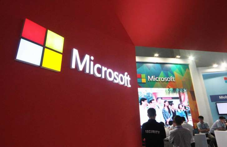 Microsoft Corp akan menyediakan layanan komputasi awan (cloud computing) gratis dan juga aplikasi penelitian bagi para ilmuwan medis yang tengah mempelajari virus Ebola, demikian kepala eksekutif raksasa perangkat lunak tersebut mengatakan. Selengkapnya on-msn.com/1t9Gd1O