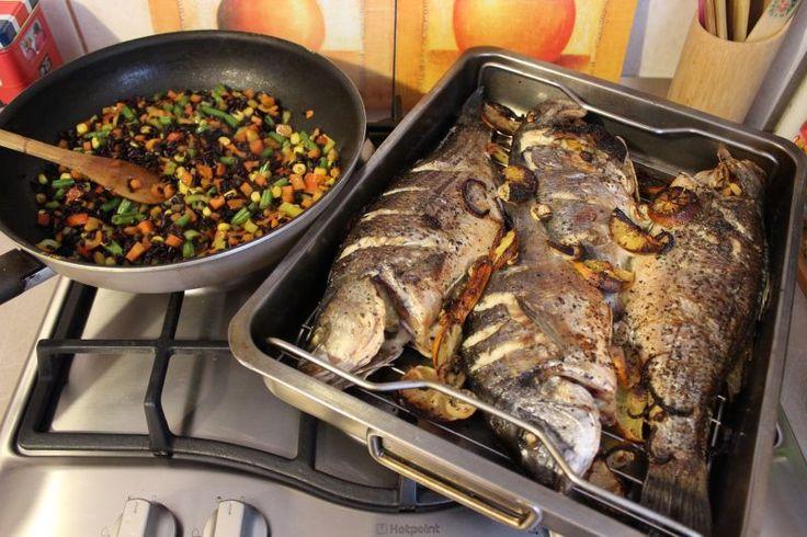Peste la cuptor si orez basmati cu legume