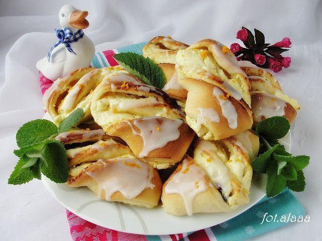 Ala piecze i gotuje: Drożdżówki z serem i rodzynkami