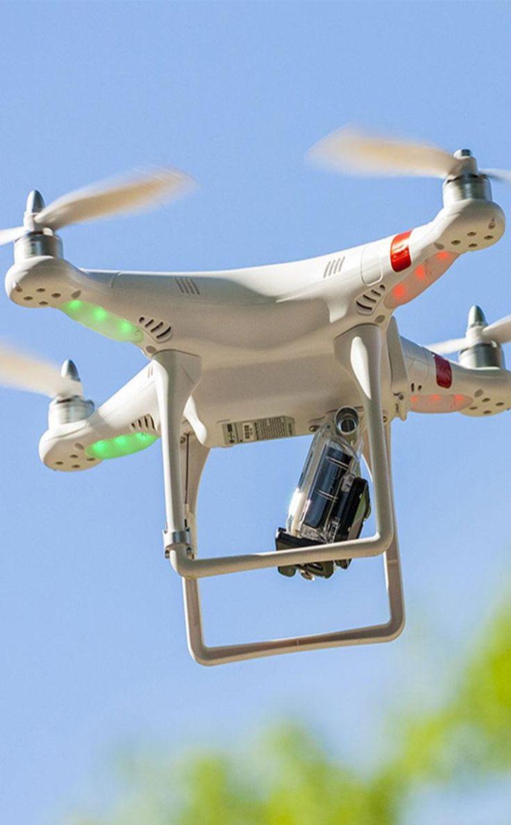 Drone teknolojisi sınır tanımıyor... Hep uçarken gördüğümüz araçlar artık suların altına inmeye başladı. İngiliz merkezli bir firma ise dronelar sayesinde yılda 1 milyar ağaç dikmeyi planlıyor.