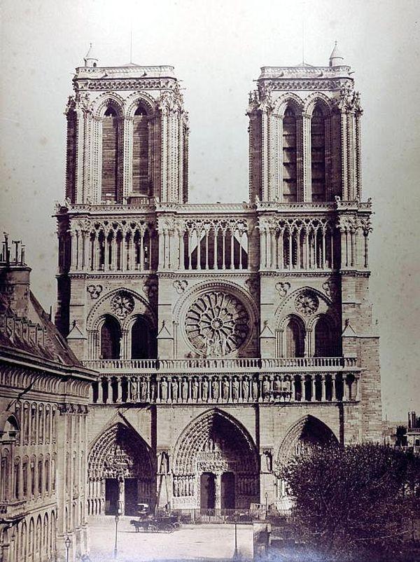 Notre-Dame de Paris sans sa flèche en 1859