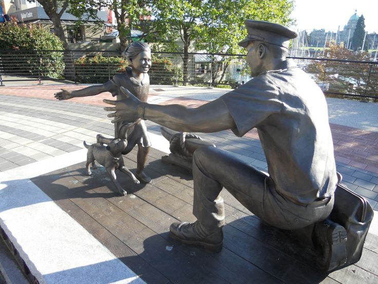 """The Homecoming Statue 