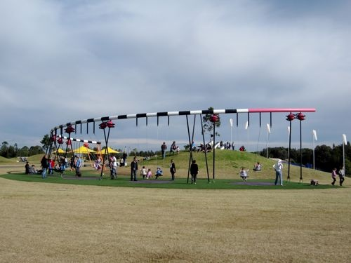 How awesome do the giant swings look in Bicentennial Park    Repinned from funinthesun.blogspot.com
