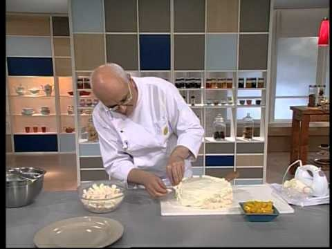 Encuentra el texto completo de esta receta en http://elgourmet.com/receta/torta-merengada-de-lucuma-postre-chaja    elgourmet.com - Una receta de Osvaldo Gross