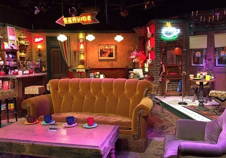 Warner Bros. Studio Tour Hollywood Central Perk Friends Set