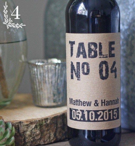 Numéro de table, bouteille de vin