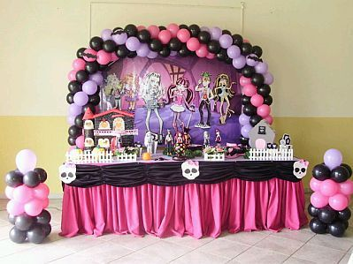 monster high party ideas | ... Monster High banner in the main table & 56 best monster high sets images on Pinterest | Monster high dolls ...