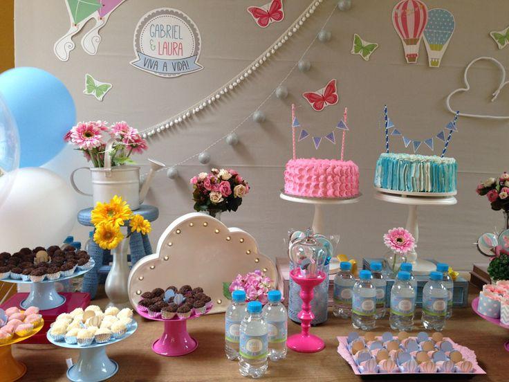 Para uma mãe com filhos pequenos, planejar duas festas em um curto espaço de tempo é quase uma missão impossível! Então, quando osirmãos fazem aniversário pertinho um do outro, uma maneira de celebraré fazer uma festa só para os dois, ainda...
