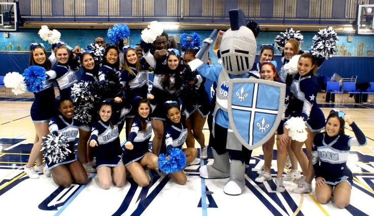 Le Chevalier bleu, nouvelle mascotte des Citadins de l'UQAM.