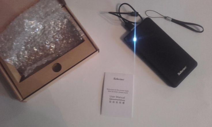 Amazon.fr:Commentaires en ligne: SELECTEC 10000 mAh Batterie externe 5V 3.4 A avec 2 Ports USB - Power bank Ultra Slim Chargeur portable pour iPhone iPad Samsung PC Smartphone - Blanc et Gris