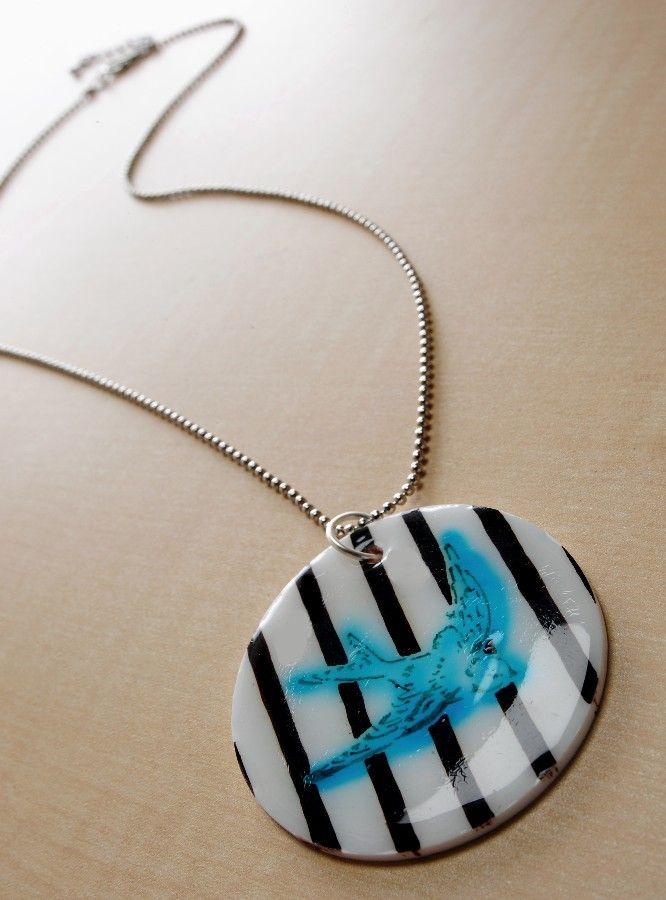 Bird pendant created with Shrinky Dinks, a stencil and Dimensional Magic. #necklace #jewelry: Projects, Crafts Ideas, Dink Pendants, Pendants Necklaces, Mod Podge, Diy Jewelry, Shrink Plastic, Shrinki Dink, Rocks