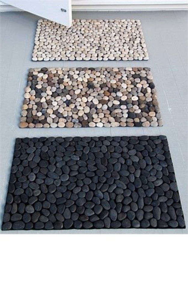 DIY Bathroom Decor Ideas - DIY Pebble Bath Mat - Cool Do It Yourself Bath Ideas on A Budget, Rustic Bathroom Fixtures, Creative Wall Art, Rugs, Mason Jar Accessories and Easy Projects http://diyjoy.com/diy-bathroom-decor-ideas