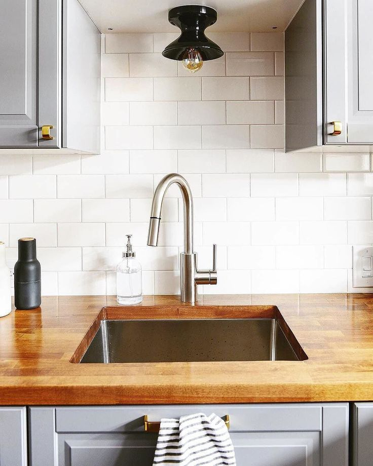 Small space solution (via @yellowbrickhome) #schoolhouseliving #schoolhouseelectric